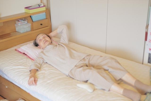 寝たきりになる原因のほとんどが転倒と骨折