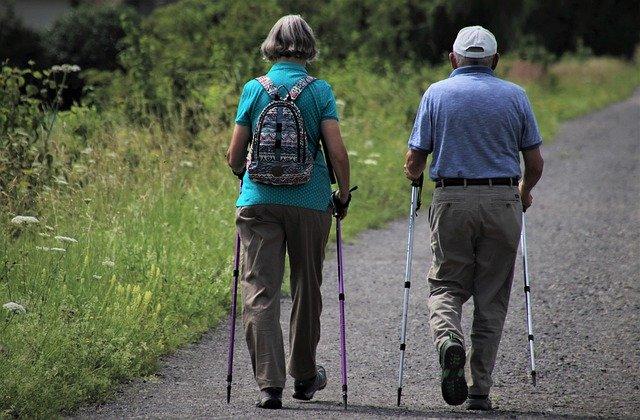 高齢者になっても自力で歩けることが自信になる!